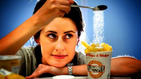 Como hacer una dieta baja en sodio?