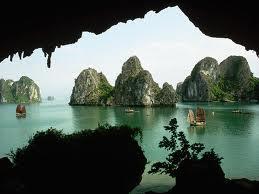 Bahía de Ha-Long, una de las 7 maravillas natuales del mundo
